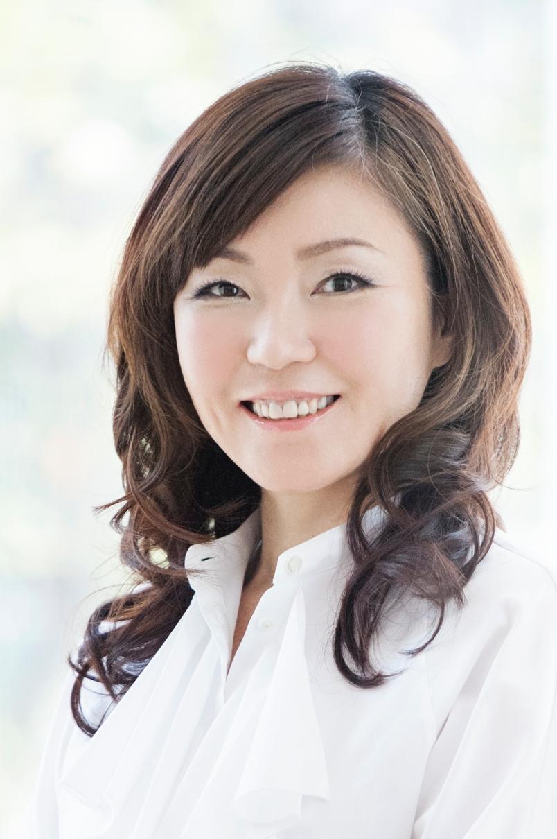 奈部川貴子(なべかわ・たかこ)