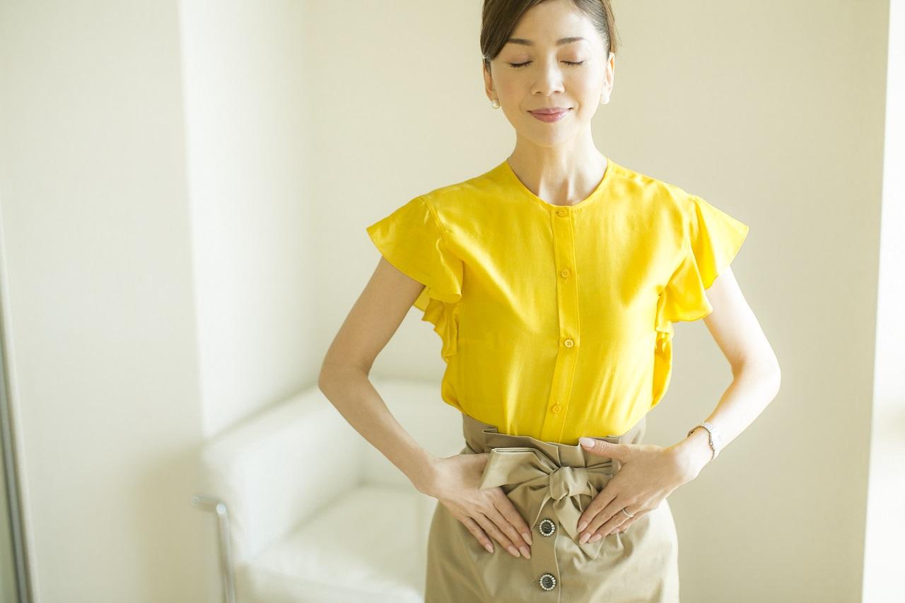 十和子さんのスタイル維持の真骨頂、臓器引き上げエクササイズ。その姿さえも見惚れてしまうほど。