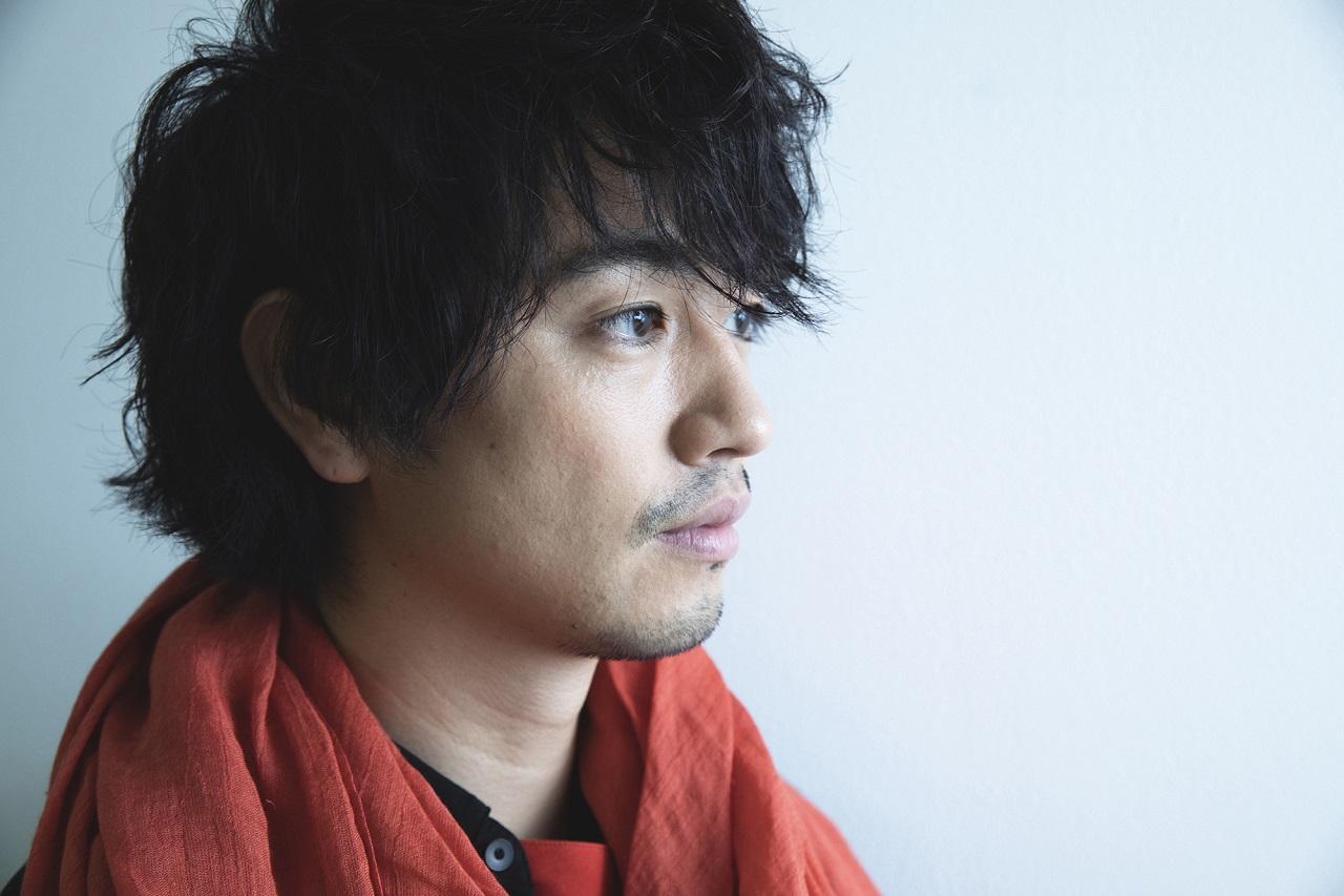 斎藤 工(さいとう・たくみ)さん 1981年8月21日生まれ。東京都出身。モデルを経て2001年に俳優デビューし、ドラマや映画などで活躍中。齊藤工名義で映画のプロデュースも手掛け、2018年の初長編監督映画「blank13」は国内外の映画祭で8冠を獲得。モノクロ写真家としても活躍中。