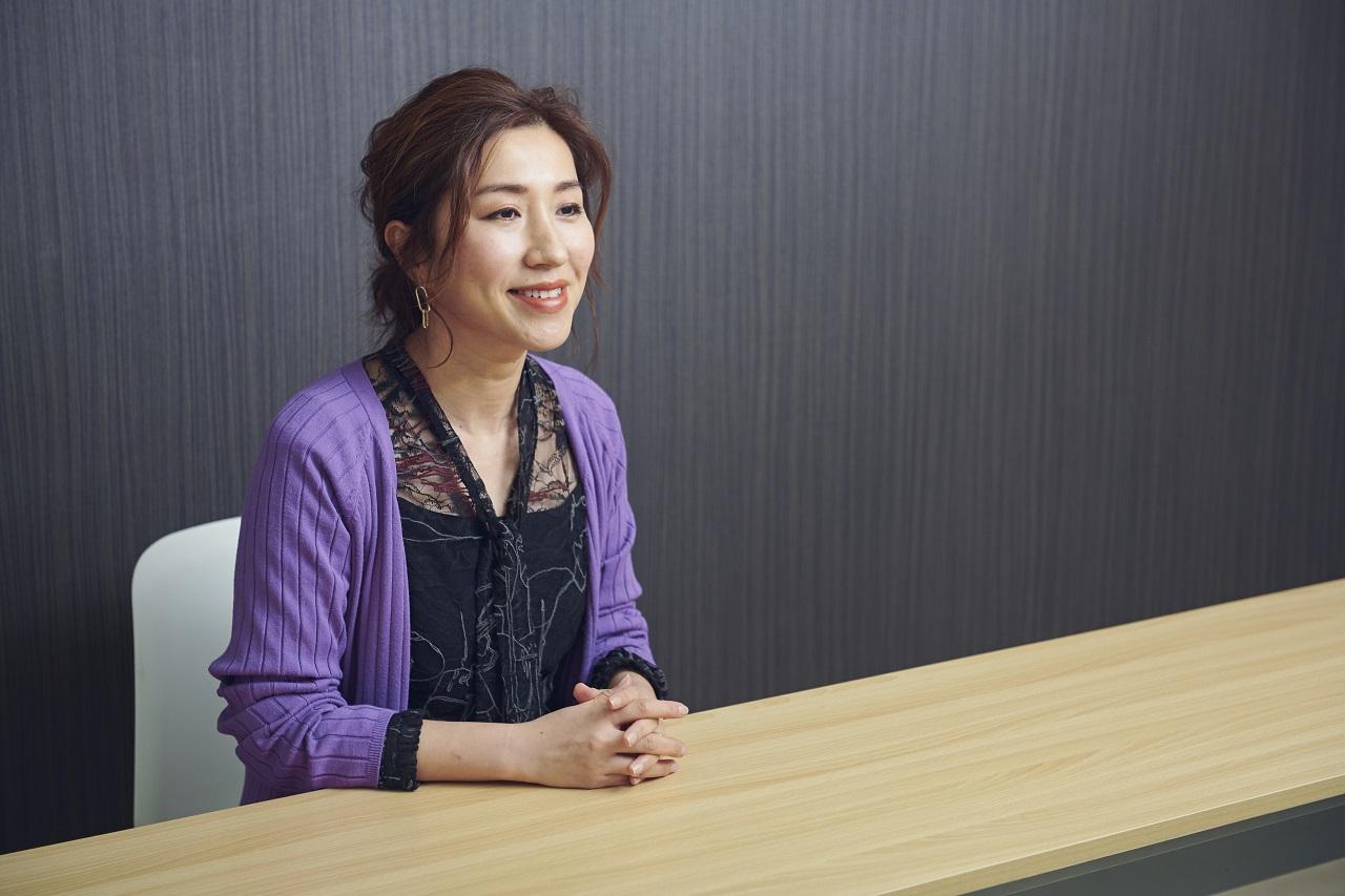 ヘア&メイクアップアーティストの長井かおり