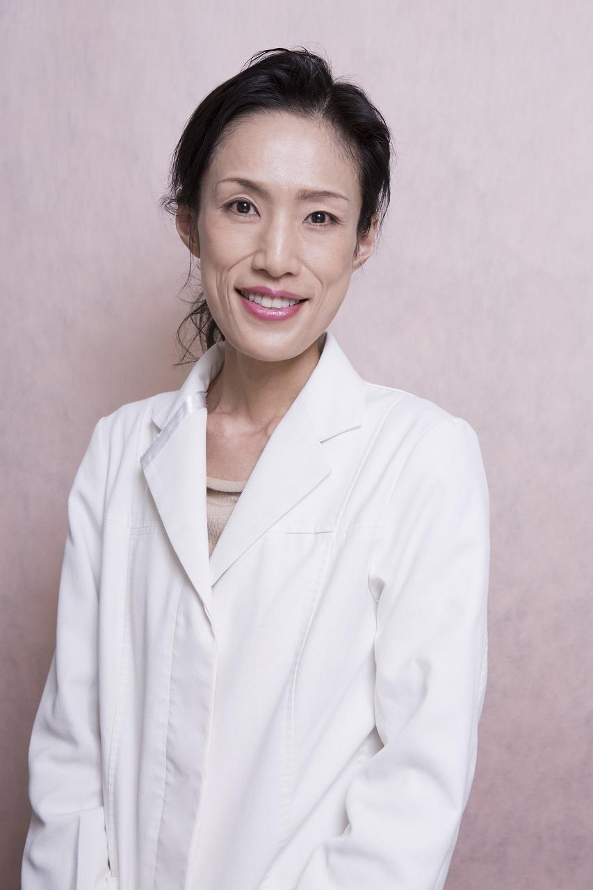 松村圭子(まつむら・けいこ)医師  成城松村クリニック院長 広島大学医学部卒業後、大学病院勤務を経て成城松村クリニックを開院。月経トラブルや更年期障害など、女性の不調や疾患の治療を行う。「女性にやさしいクリニック」を目指し、看護師、受付もスタッフは全員女性で構成。安心して相談できると評判を呼び、地方から訪れる患者も多い。クリニックでの診療のほか雑誌やweb等のメディアでも躍し、著作も多数。