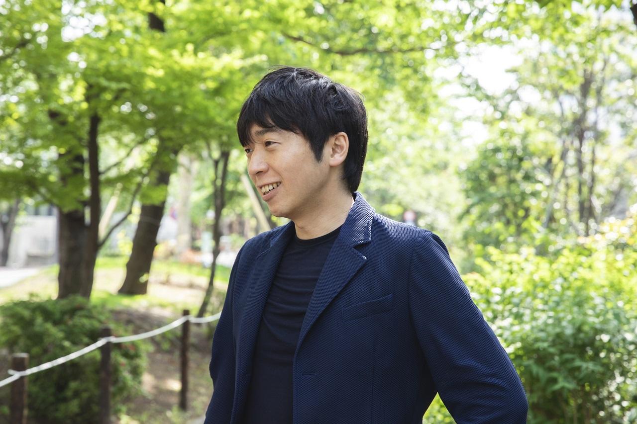 刀禰慎之介 Shinnosuke Tone   1979 年神奈川県出身。明治大学政治経済学部卒業後、デトロイトトーマツコンサルティング(現・アビームコンサルティング)、UFJつばさ証券(現・三菱UFJモルガン・スタンレー証券)、環境エネルギー投資などで勤務。体調を崩したことをきっかけに、2011年メンタルヘルステクノロジーズを創業。身長:176㎝ 体脂肪率:19% https://mh-tec.co.jp/