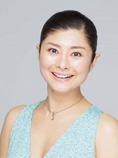 間々田佳子(ままだ・よしこ)さん 1972年生まれ。自身の「たるみ顔」を改善した経験を踏まえ、顔ヨガ講師を経て表情筋研究家に。2020年より独自の新メソッド「コアフェイストレーニング」を発表。受講生3万人以上、著書累計54万部。「金スマ」(TBS)、「ヒルナンデス」(日テレ)、「ニュースシブ5時」(NHK)など、メディア出演多数。