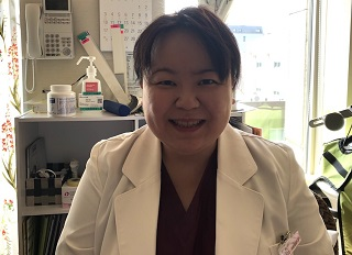 古川佳容子(ふるかわ・かよこ)さん 群馬大学、自治医科大学大学院を卒業。がん研究会有明病院などを経て東京ベイ浦安市川医療センター 産婦人科医長を務め、対馬ルリ子女性ライフクリニック銀座で診察を行う。女性の不安や悩みに寄り添う親身な診療に多くの患者が訪れる。